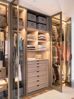 38 Wonderful Walk In Closet Design Ideas With Low Budget - Have you ever considered how much walk in closet designs could improve your life and save you time? How many of you have had one of those mornings, yo. Walk In Closet Design, Bedroom Closet Design, Master Bedroom Closet, Closet Designs, Bedroom Closets, Dressing Room Closet, Dressing Room Design, Organiser Son Dressing, Wardrobe Room