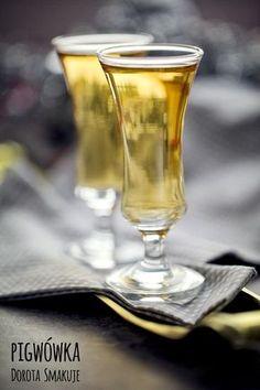 nalewka_z_pigwy Sugar Free Desserts, Irish Cream, White Wine, Alcoholic Drinks, Food And Drink, Jar, Homemade, Vogue, Tableware