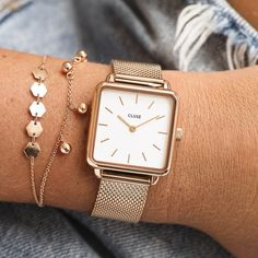 With a square case, rounded edges and clean, uncluttered face, La Tétragone is a play on line, shape and form. Explore our full collection! Gold Watches Women, Trendy Watches, Style Androgyne, Jewelry Clasps, Jewellery, Bracelet Cuir, Shape And Form, Rose Gold Color, Classic Elegance