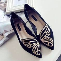 "Women's Fashion Casual Shoes Stylish Womens Ballet Shoes Available in Pink and Black US European Inches Centimeters 4 35 8.1875"" 20.8 (cm) 4.5 35 8.375"" 21.3 (cm) 5 35 - 36 8.5"" 21.6 (cm) 5.5 36 8.75"""