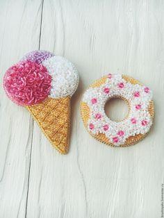 Купить Брошь Пончик - комбинированный, брошь ручной работы, брошь, пончик, брошь подарок, пончики