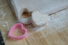 Homemade Marshmallows--time consuming process, but maybe worth it to try at least once. Fill a mason jar with hot chocolate mix and top with the homemade soft sugar squares or cute cutouts like mini stars for Xmas gifts.