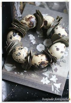 eggs wreath