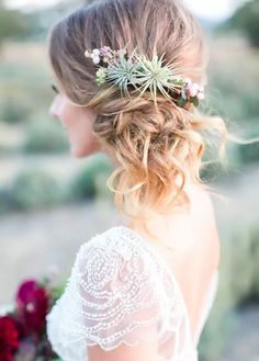 Say 'I Do' to these fresh spring wedding hairstyles from @britandco! #bride