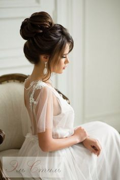 Trendy Wedding Hairstyles Updo With Bangs Style Ideas High Bun Hairstyles, Best Wedding Hairstyles, Bride Hairstyles, Cool Hairstyles, Hairstyle Ideas, Hair Ideas, Fashion Hairstyles, Style Hairstyle, Hairstyles 2018