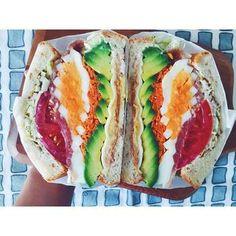 どうやって食べるの?と聞きたくなるくらいのボリュームのあるサンドイッチ♡たっぷり野菜も摂れるのでお子様の朝食などにも人気です♪ Japanese Sandwich, Japanese Snacks, Cute Food, I Love Food, Yummy Food, Healthy Sandwiches, Wrap Sandwiches, K Food, Food Porn