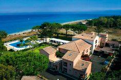 Hotel La Lagune staat aan het strand, midden in een natuurgebied. Dit 3-sterrenhotel heeft een zwembad. Het ligt op ca. 10 km van Bastia met zijn gezellige haven met veel restaurants. Vanuit hotel La Lagune zijn prachtige uitstapjes te maken naar het zeer fraaie, bergachtige Corsicaanse binnenland. Hier vind je echte natuur en veel leuke, authentieke dorpjes. Een dagexcursie naar de Cap Corse in het noorden is zeker de moeite waard. Op Corsica raak je nooit uitgekeken! Officiële categorie…
