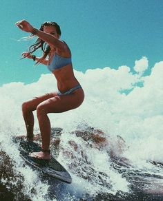 8 Pro Surfer-Endorsed Swimsuits That Look Good in the Water and on Dry Land Womens surf brand.Surf Bikini, Long Sleeve One Piece, Rash Guard, Surf Leggings and surfer girl clothing.Boho Fashion and Surfergirl streetwear Beach Pink, Pink Summer, Summer Vibes, Summer Surf, Girl Beach, Surf Girls, Roxy Surf, Beach Aesthetic, Summer Aesthetic