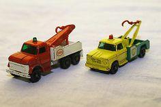 Vintage  Lesney #71 Ford Heavy Wreck Truck; Lesney #13 Dodge Wreck Truck  - http://www.matchbox-lesney.com/45493