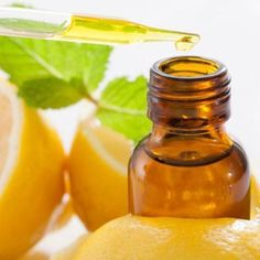 Cómo hacer aceite esencial de limón. http://belleza.uncomo.com/articulo/como-hacer-aceite-esencial-de-limon-25426.html