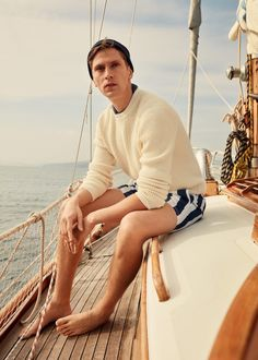 Nautical time for Man 2019 Cruise Italy, Luxury Boat, Outfits Hombre, Preppy Men, Barefoot Men, Men's Swimsuits, Campaign Fashion, Cruise Outfits, Moda Masculina