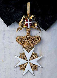 Cross of a Dame of the Grand Priory of Austria and of the Grand Priory of Bohemia (Großpriorat von Österreich und Großpriorat von Böhmen). #OrderofMalta #SMOM