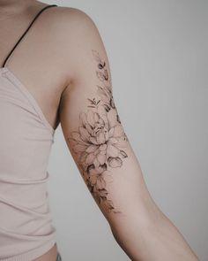 🌸🌿 Danke, dass du die Reise vom US-Freund friend gemacht hast - tattoos .🌸🌿 Thank you for making the trip from the US friend friend - tattoos - Bicep Tattoo Women, Inner Bicep Tattoo, Shoulder Tattoos For Women, Tattoo Girls, Bicep Tattoos, Arm Tattoos For Women Inner, Inner Upper Arm Tattoos, Tattoo Sleeve Girl, Female Forearm Tattoo