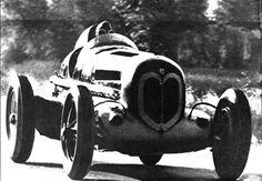auto da corsa di 1930s Alfa Romeo in gara auto GP, BW foto di auto da corsa d'epoca, arredamento camera ragazzo