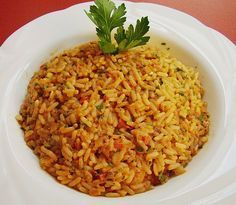 Griechischer Tomatenreis rice – Greek tomato rice, delicious with paprika, tomatoes and various spices. a bit of greece for home Greek tomato rice Noodle Recipes, Rice Recipes, Vegetable Recipes, Vegetarian Recipes, Cooking Recipes, Healthy Recipes, Greek Rice, Tomato Rice, Rice Dishes