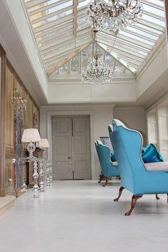 Love the glass roof Interior Design Inspiration, Home Interior Design, Interior Architecture, Design Interiors, Decorating Your Home, Interior Decorating, Design Salon, Glass Roof, Glass Ceiling