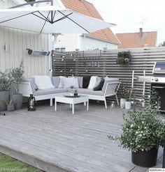 This amazing deck stain is an unquestionably inspirational and extraordinary idea Outdoor Rooms, Outdoor Gardens, Outdoor Living, Outdoor Decor, Backyard Garden Design, Backyard Patio, Backyard Landscaping, Scandinavian Garden, Small Space Interior Design
