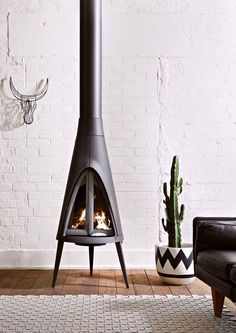 Tipi - contemporary design Fireplace by Invicta Interior Modern, Interior And Exterior, Interior Design, Parrilla Exterior, Room Deco, Home Decoracion, Wood Burner, Home And Living, Living Rooms