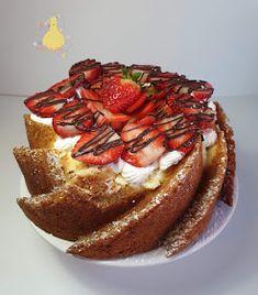 PATYCO - CANDYBAR : *Cream Cheese Swirl Coffe Cake with Strawberries* Coffe Cake, Coffee, Strawberry Cakes, Bundt Cakes, Dream Life, Strawberries, French Toast, Cheese, Cream