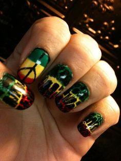 Rasta/Bob Marley Nails. Love the crackle