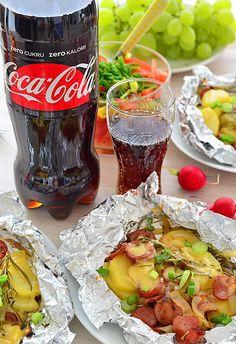 Ziemniaki z grilla w papilotach na bogato Bbq Grill, Grilling, Tzatziki, Coca Cola, Food And Drink, Tasty, Beef, Drinks, Cos