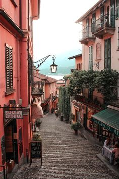 What to Do in Lake Como: The Complete Guide - Wander Her Way