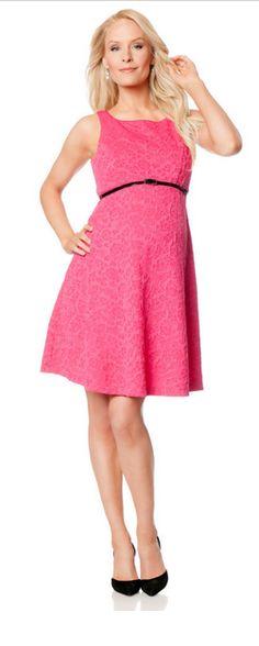 57b55ea3347 11 Seriously Cute Maternity Dresses For Summer   Spring Break -  Momtastic.com