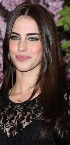 Long Straight Hairstyles for Women -Jessica Lowndes Brown Hair Pale Skin, Brown Hair Green Eyes, Hair Colour For Green Eyes, Hair Color For Fair Skin, Cool Hair Color, Green Hair, Hair Lights, Light Hair, Jessica Lowndes