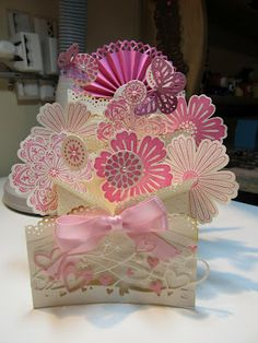 Flower Cascading Card One of these days I promise, I'm going to attempt doing a cascading card!!!!!!!!!!