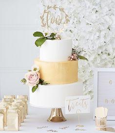 Fondant, Wedding Cakes, Planter Pots, Decorations, Fondant Icing, Wedding Pie Table, Cake Wedding, Wedding Cake, Wedding Pies