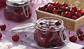 Le ciliegie sotto grappa sono una fantastica idea per conservare questo frutto rosso e delizioso e gustarlo durante il resto dell'anno!