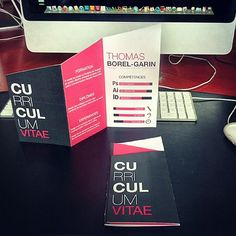 #cv#curiculumvitea#graphicdesign #graphisme #depliant #indesign #illustrator #adobe #accordeon #print #prints #design #etudiant #graphiste #mac #unikcom