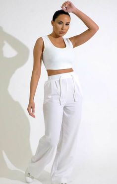 Calça elástica branca com perna larga nas costas - Sarah Sarah White, Fresh Kicks, Spring Sale, All About Eyes, Wide Leg, Trousers, Dressing, Legs, Crop Tops