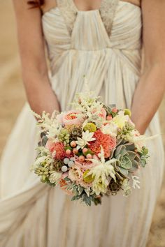 Rustic bridal bouquet (Photography by mariannetaylorphotography.co.uk)