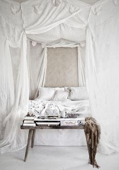 Boho chic bedroom | Bohemian style & design | Free life | Summer #nakedsoul #nakedexpression #bohemianrhapsody