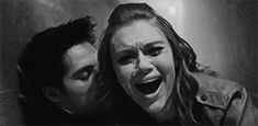 baylie sank to her knees. Gone like her mother. Gone like her sister. His empty eyes stared up at her. She screamed. Teen Wolf Stydia, Teen Wolf Dylan, Teen Wolf Cast, Dylan O'brien, Dylan O Brien Cute, Netflix, Writing Photos, Malia Tate, Wolf Love