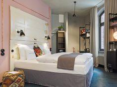 L-Stube im 25hours Hotel Hamburg - Altes Hafenamt