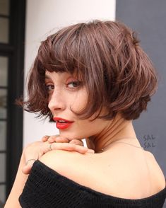 Today we have the most stylish 86 Cute Short Pixie Haircuts. We claim that you have never seen such elegant and eye-catching short hairstyles before. Pixie haircut, of course, offers a lot of options for the hair of the ladies'… Continue Reading → Bob Haircut With Bangs, Short Hair With Bangs, Short Hair With Layers, Short Hair Cuts, Hair Bangs, Short Hair Model, Color Del Pelo, Haircut Styles For Women, Bobs For Thin Hair