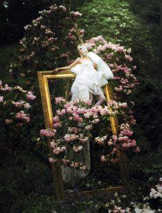 Dream and Magic モデル: Stella Tennant(ステラ・テナント) 発表: イタリア版Vogue 2007年8月号