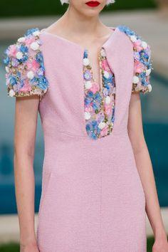 Chanel Spring 2019 Couture Fashion Show - Vogue Fashion Week, Fashion Show, Womens Fashion, Fashion Trends, Latest Fashion, High Fashion, Fashion Tips, Fashion Hacks, French Fashion