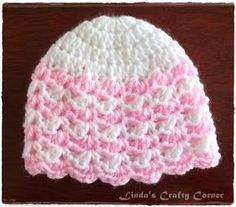 Crochet Baby Patterns This a simple crochet baby hat in preemie and new born sizes, beginning with the same basic crown pattern which I first made for the Pomp. Crochet Preemie Hats, Crochet Baby Hat Patterns, Crochet Baby Beanie, Crochet Cap, Crochet Baby Clothes, Newborn Crochet, Easy Crochet, Baby Knitting, Free Crochet