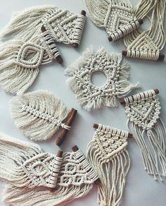 Macrame Wall Hanging Diy, Macrame Art, Macrame Projects, Macrame Knots, Crochet Projects, Diy Macrame Earrings, Wallpaper Collage, Macrame Design, Macrame Patterns