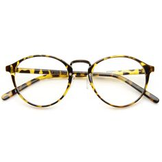 Vintage inspired round P3 wayfarer that features a horned rim frame and metal bridge. Perfect for anyone going for a timeless vintage look circa Warhol era. Made with an acetate based frame, metal hin