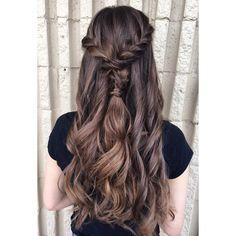 #halfuphalfdown #promhairstyles #hairinspo #hairandbeauty #hairenvy #updostyles #hairtrends #hairblogger #hairblog #bridalhairstylist #braidedhairstyles #denverhair