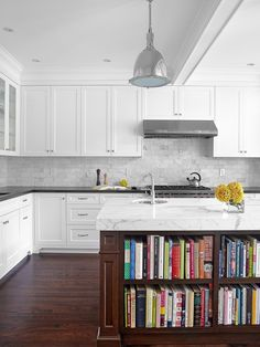 Supreme Kitchen Remodeling Choosing Your New Kitchen Countertops Ideas. Mind Blowing Kitchen Remodeling Choosing Your New Kitchen Countertops Ideas. Cookbook Storage, Cookbook Shelf, Cookbook Display, High End Kitchens, Cool Kitchens, Farmhouse Kitchens, Modern Farmhouse, White Kitchens, Tiny Kitchens