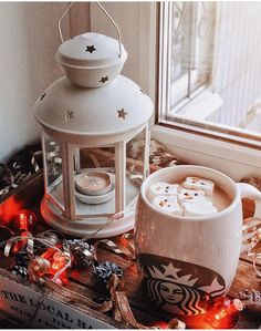 Morning Christmas lovers what are we having to warm up this morning? My go to is a caramel latte today . Christmas Mood, Christmas And New Year, Merry Christmas, Xmas, Chocolate Navidad, Christmas Aesthetic, Merry And Bright, Christmas Inspiration, Winter Time