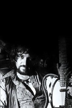 Waylon Jennings Photos | Pictures of Waylon Jennings | CMT