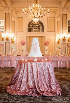 Glam cake table!