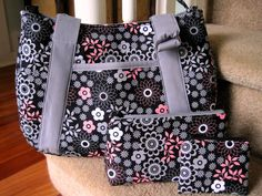 Love the look of this purse