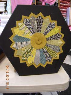 Shanna's Dresden Plate!